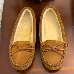 Zealand Moccasins NWOT With Sherpa Lining Size 8